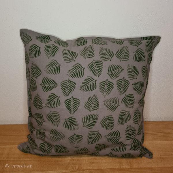 Polster mit Farnblättern in Grün Baumwolle